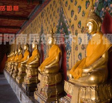 Camphor wooden statues